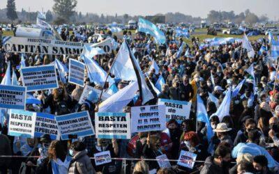 El campo protestó contra el gobierno y exigió «políticas que alienten el trabajo»